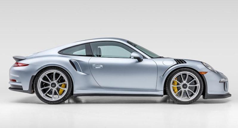 Porsche-911-GT3-RS (7)