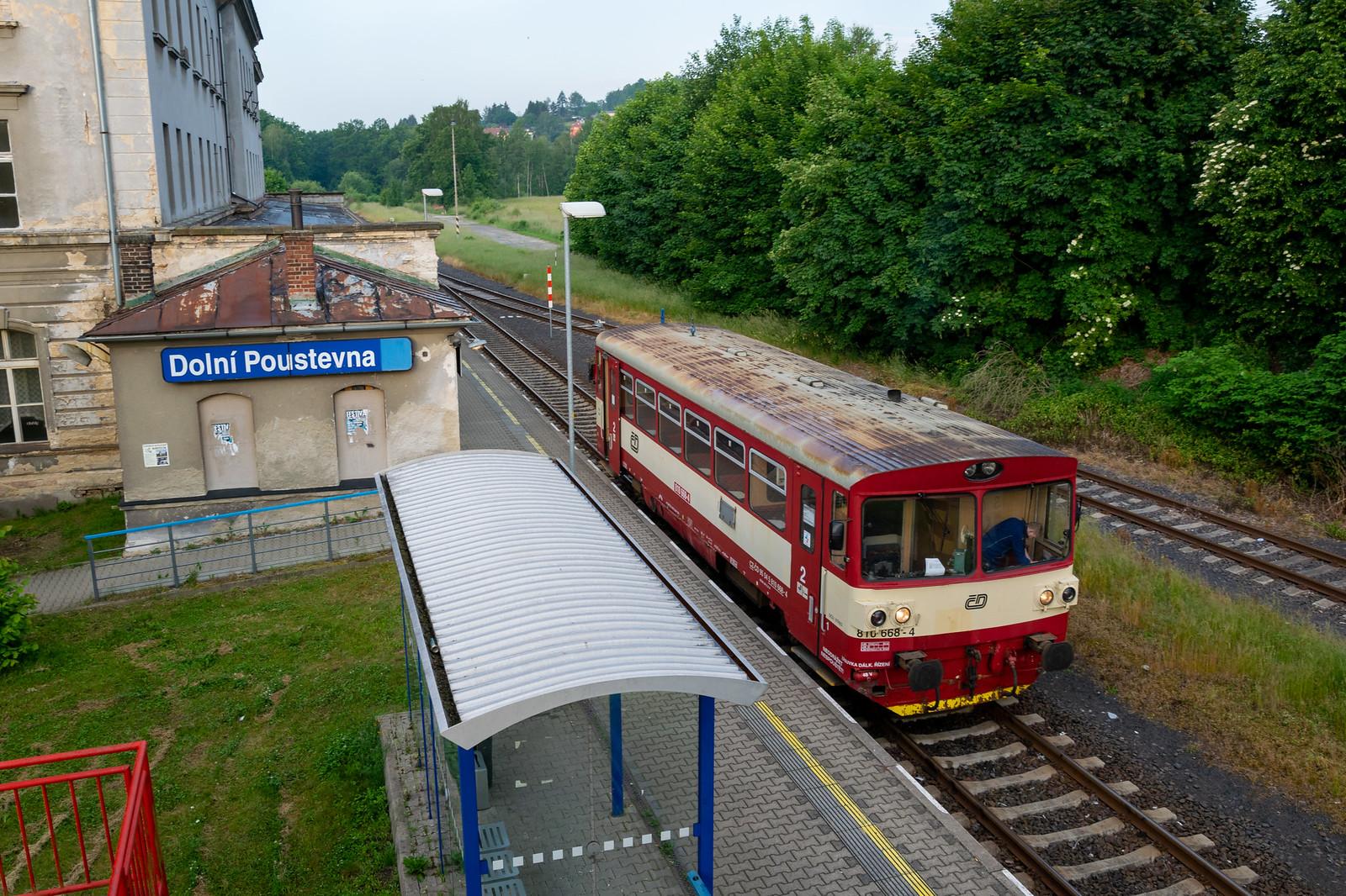 810 668 in Dolní Poustevna
