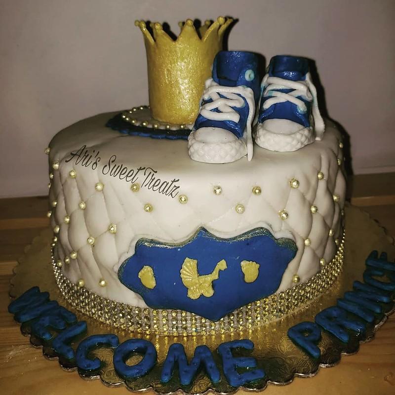 Cake by Ari's Sweet Treatz