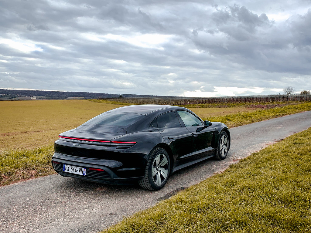 Essai Porsche Taycan RWD Propulsion
