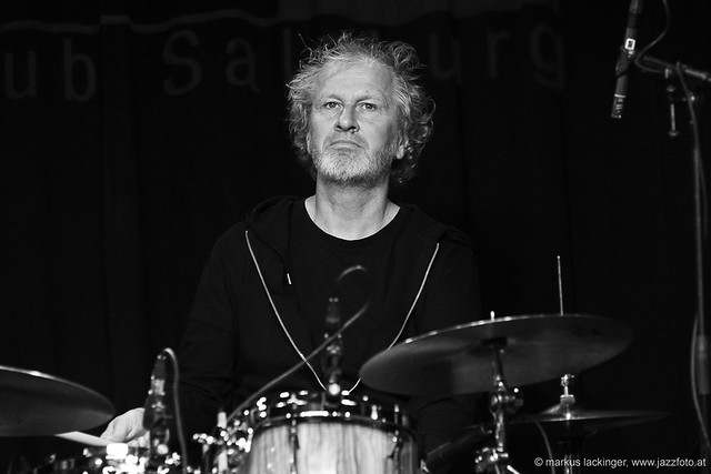 Robert Kainar: drums