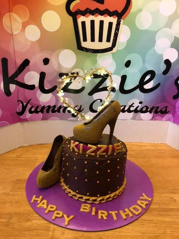 Cake by Kizzie's Kakes