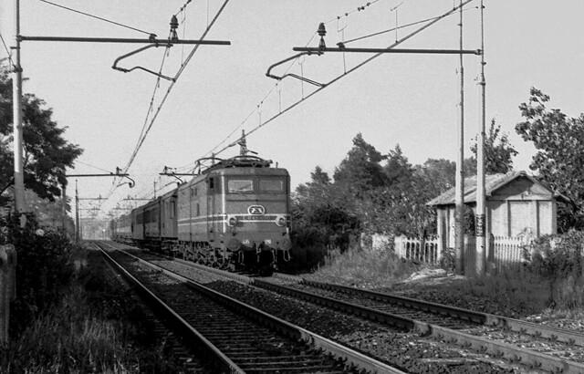 FS E 645.090 Milano Chiaravalle 23/09/1978. Foto Roberto Trionfini