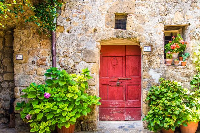 Red door - Sorano