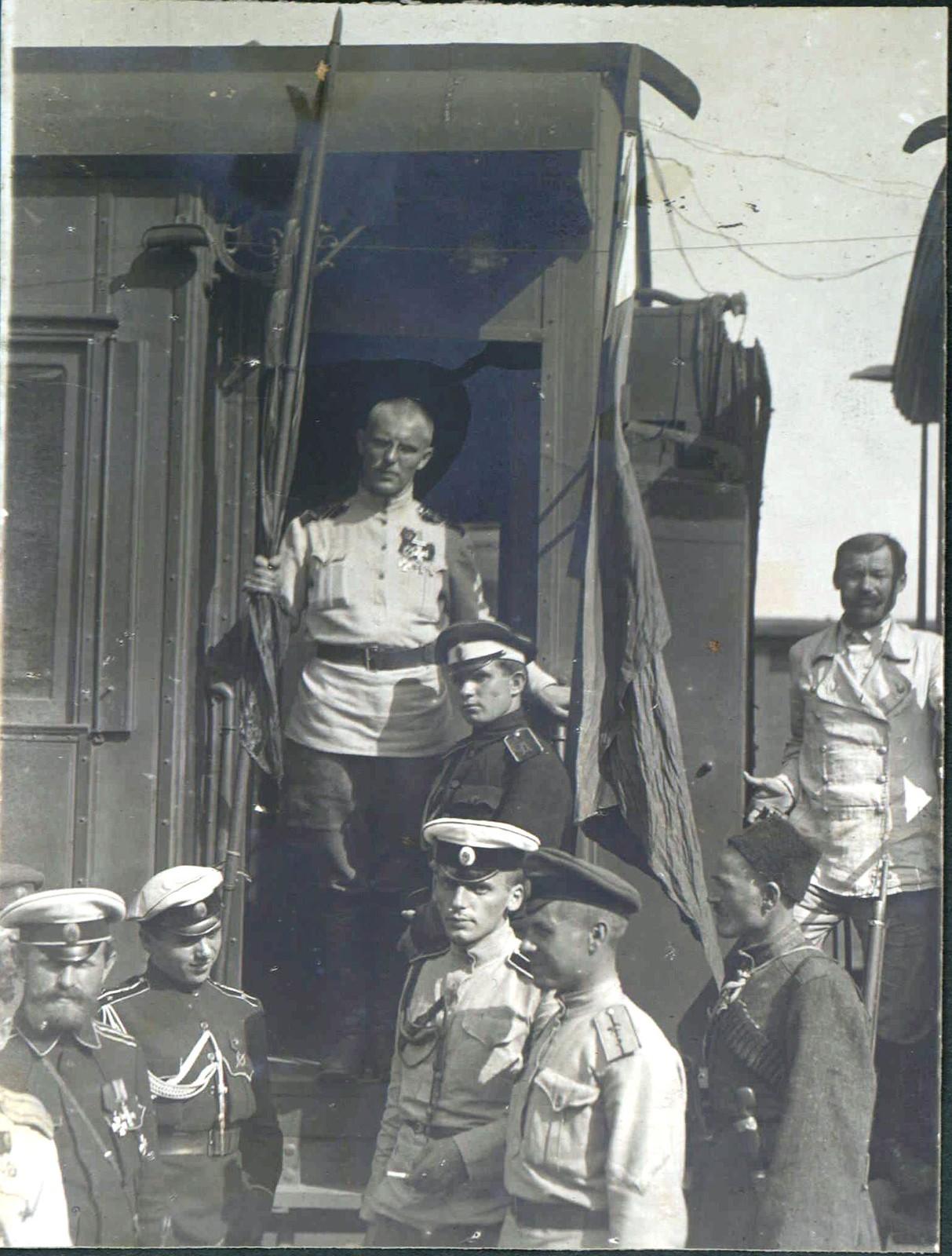 194. Штаб 1-й пехотной дивизии. Генерал-лейтенант Н.С. Тимановский, август.  Белгород