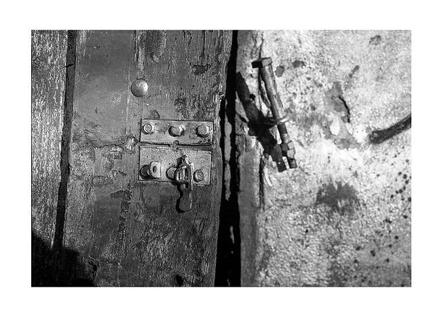 lock 2 • chenove, burgundy • 2020