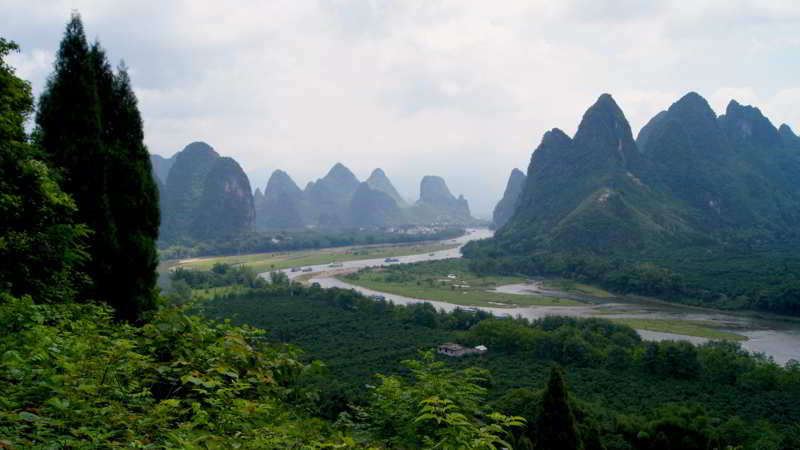 Li River in Guilin mountains