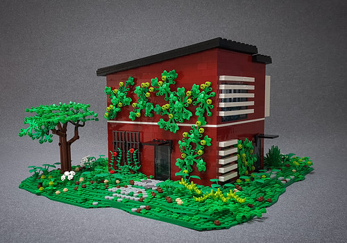 Candy-Striped House MOC. Backyard II.
