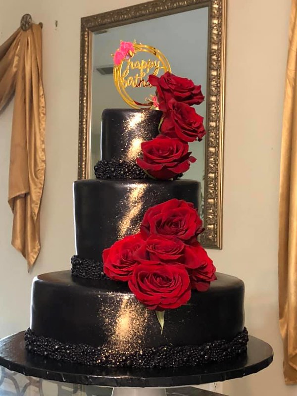 Cake by Cakes Sweet Divine