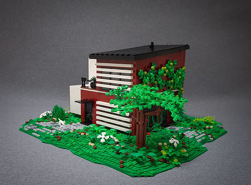 Candy-Striped House MOC. Tree side.