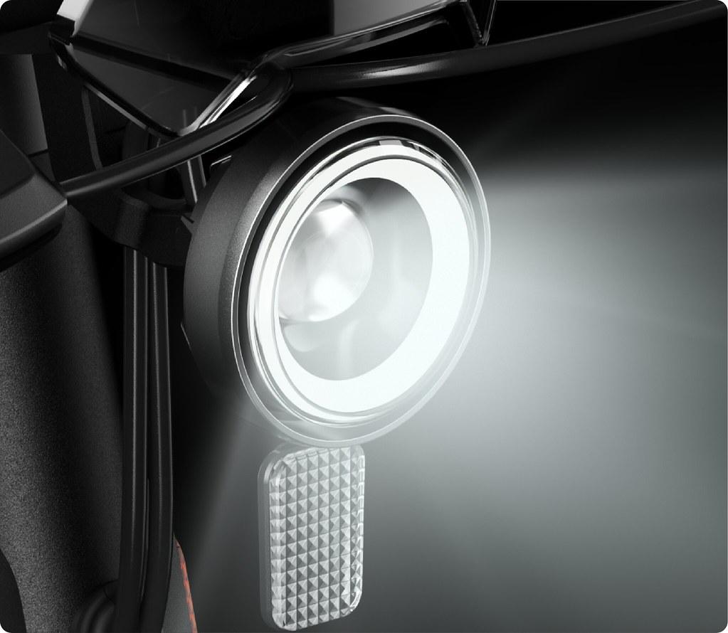 NIU Kick Scooter - Iconic Halo Light