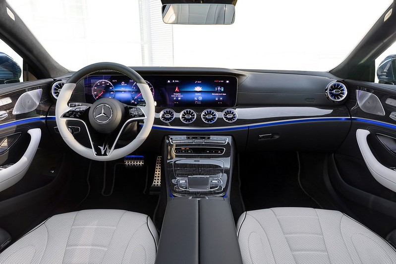 Mercedes-Benz-CLS- (3)