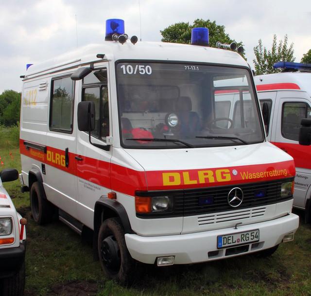DLRG Mercedes van