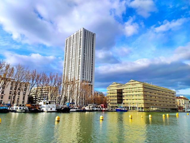 198 - Paris en Mars 2021 - le canal Saint-Martin vers la rue de Crimée