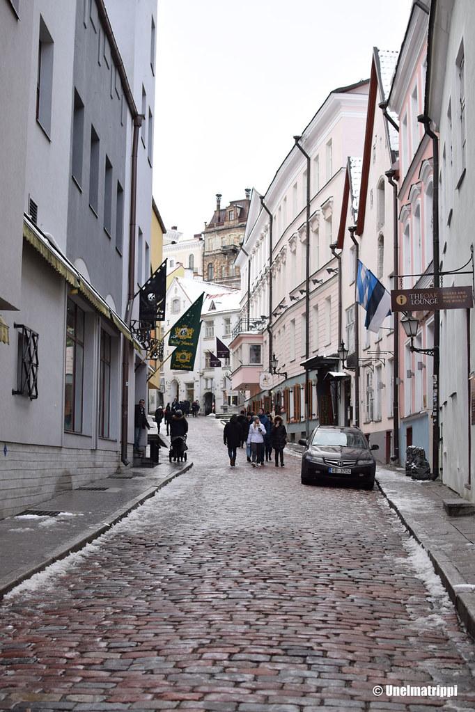 Katunäkymä Tallinnan vanhassakaupungissa