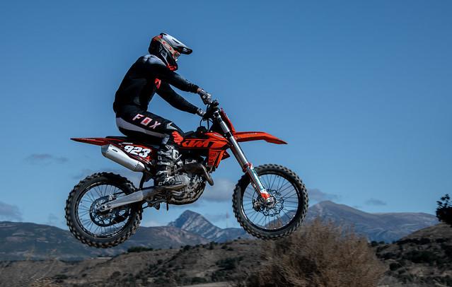 DB1_0615LR Motocross