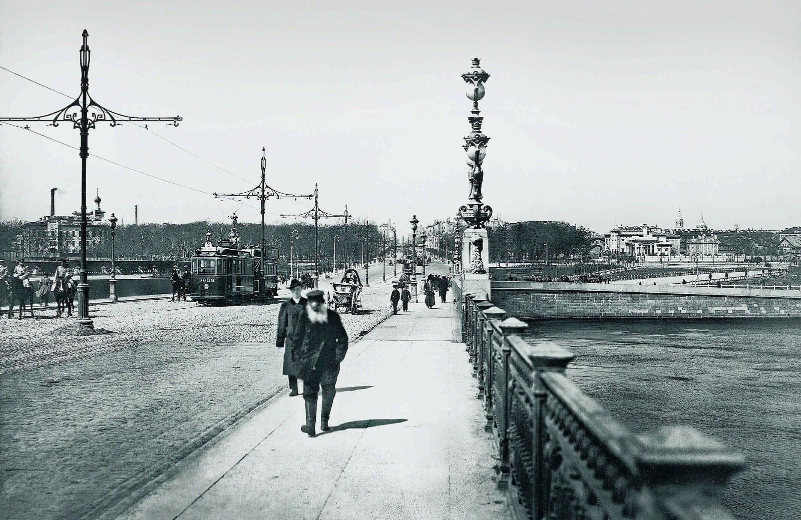 33. 1910-е. Троицкий мост