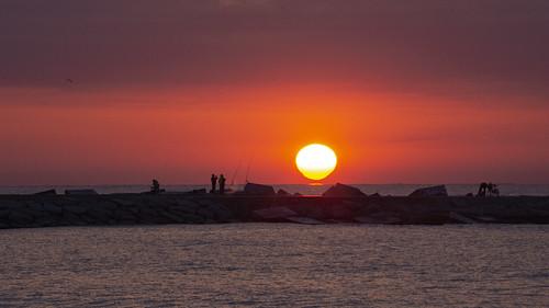 Salida del sol en la playa del Bogatell