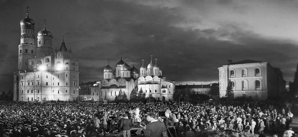 1957. VI Всемирный фестиваль молодёжи и студентов, панорама Ивановской площади Кремля
