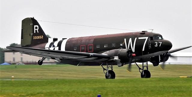 Douglas Dakota C-47 N345AB USAAF 43-30652
