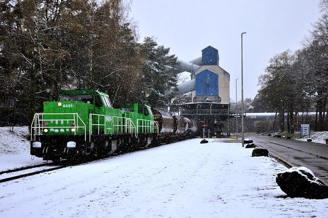 RTX 6481-6482 met zandtrein in Lommel-Maatheide in de ééndags sneeuw!