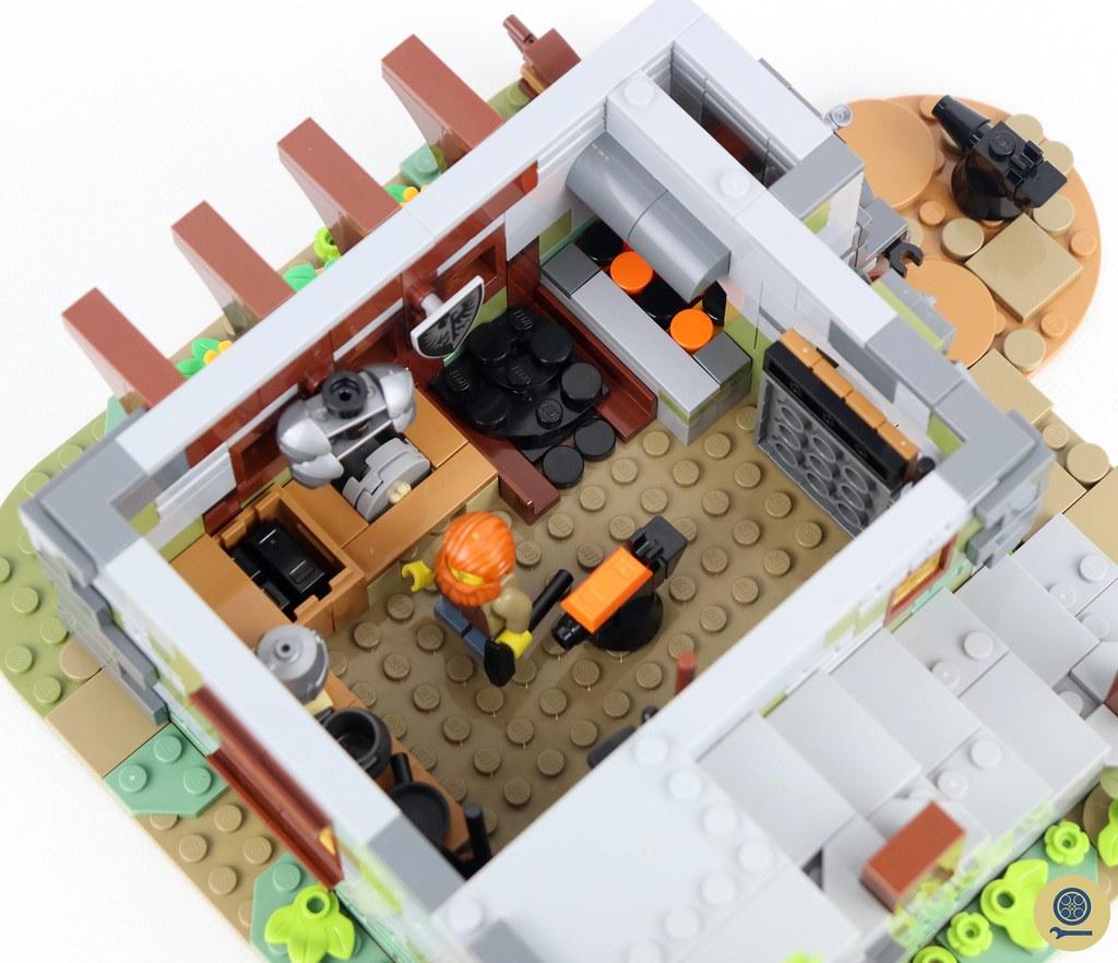 21325 Medieval Blacksmith 4