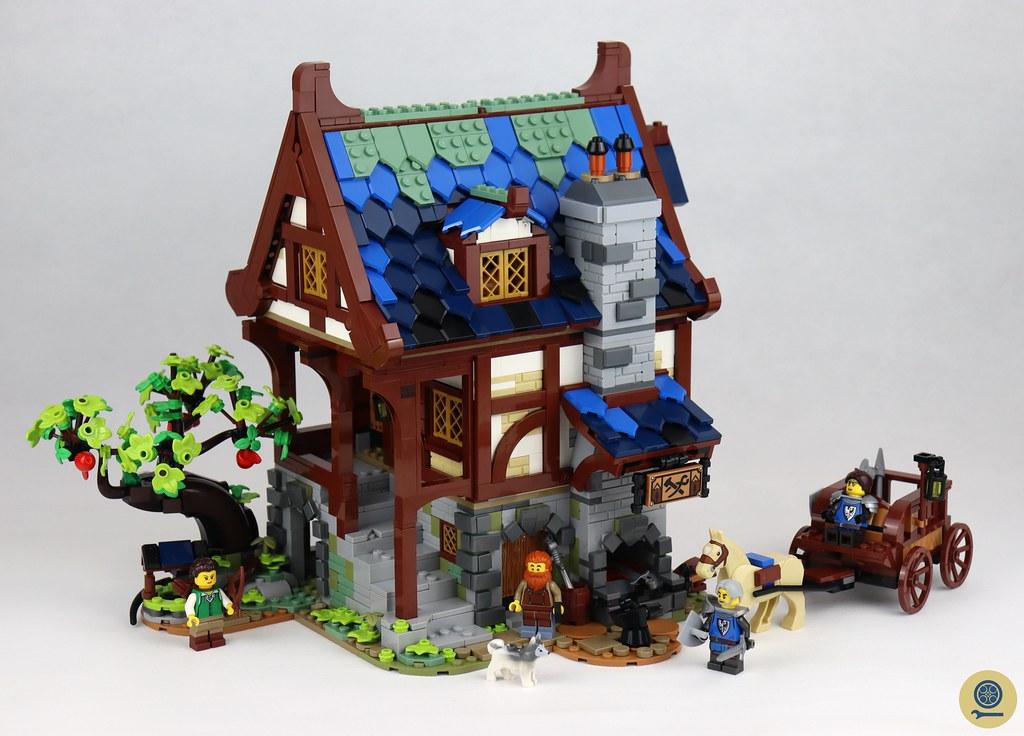 21325 Medieval Blacksmith 1