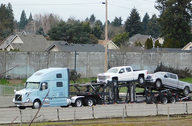 Volvo Car Carrier Southbound on I-5 ~ Lane County, Oregon USA