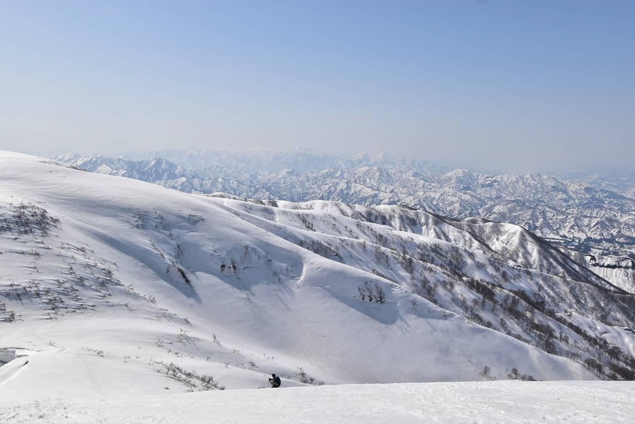 【新潟】守門岳から眺める妙高山・火打山方面の展望