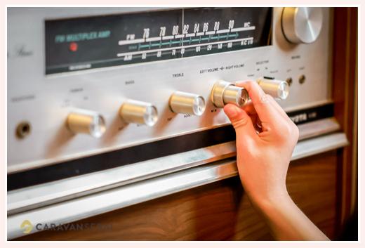 アンティークのラジオチューナー