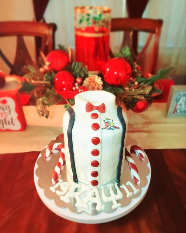 Cake by Antoinette's Pastry Wonderland