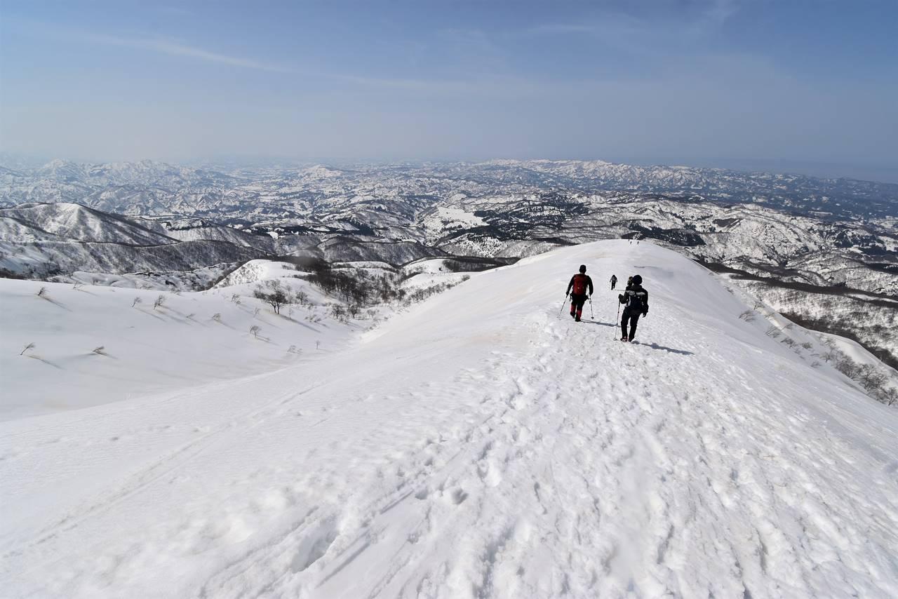 【新潟】冬の守門岳(保久礼コース) 東洋一の大雪庇へ日帰り雪山登山