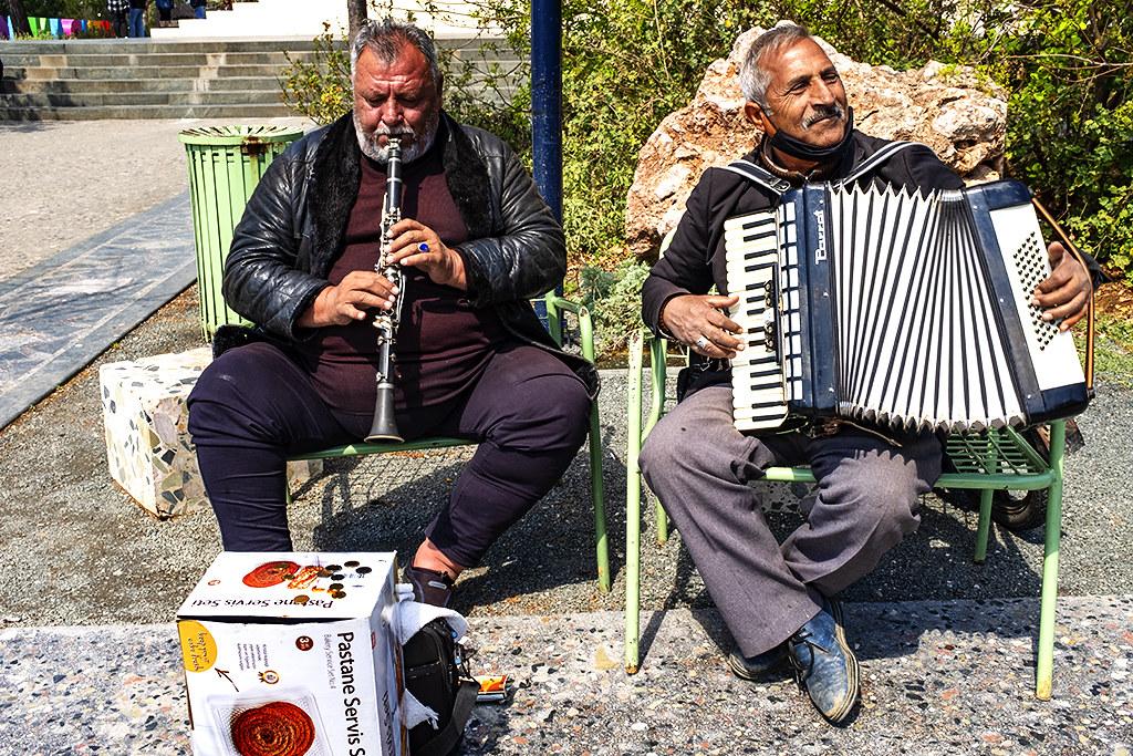 Clarinetist and accordionist at Skanderbeg Square on 4-8-21--Tirana