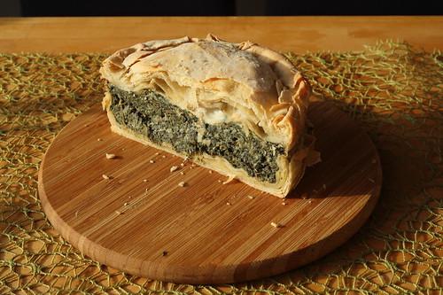 Hälfe der Torta pasqualina (= Ligurische Ostertorte), die am Ostersonntag übrigblieb
