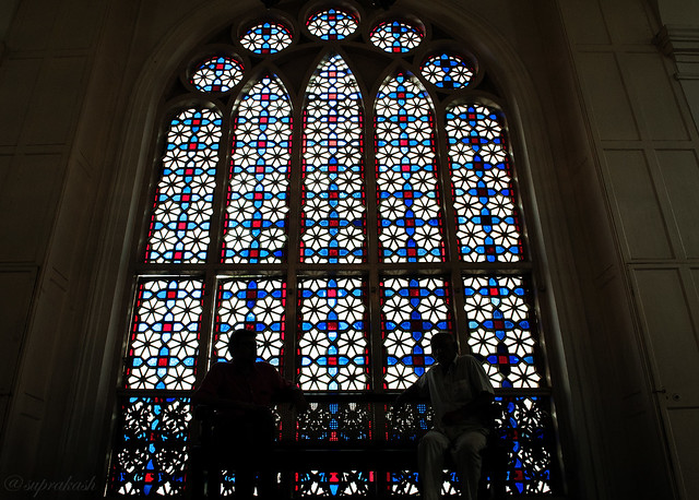 Stain glass window in Beth El Synagogue