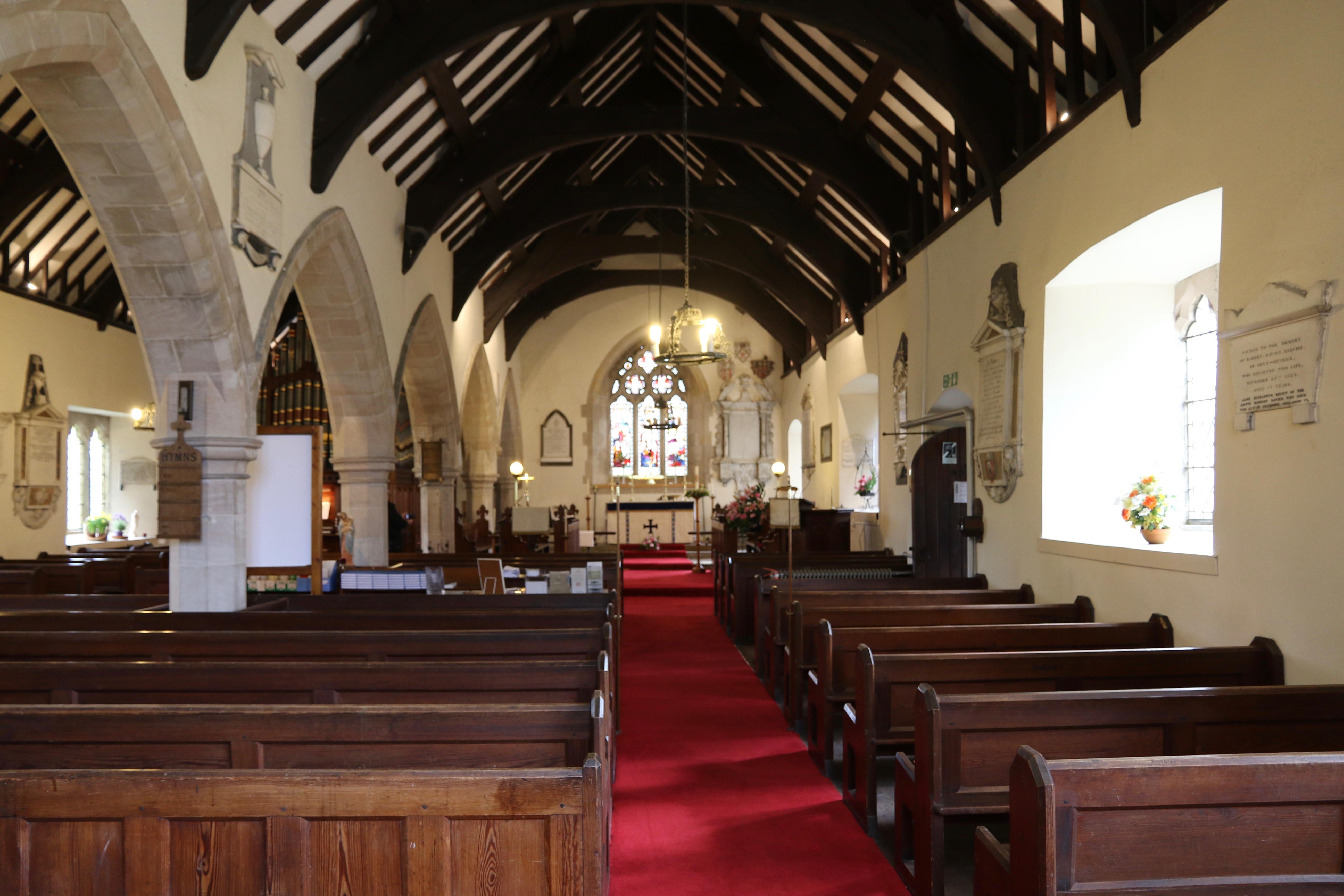 LLANFAIRTALHAIARN, St Mary - int