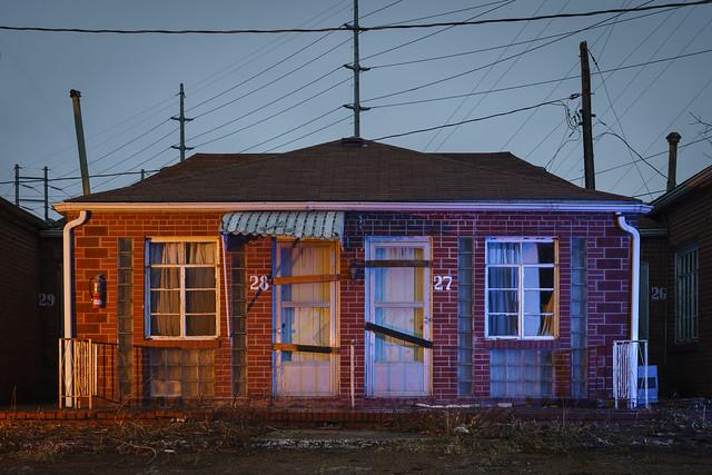 Warm-Cool Motel Facade