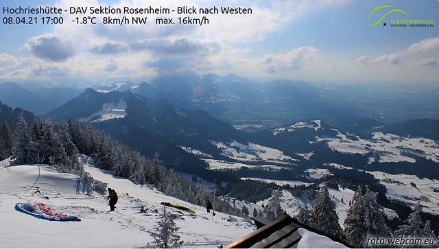 2 Wintersportler vor Abflug