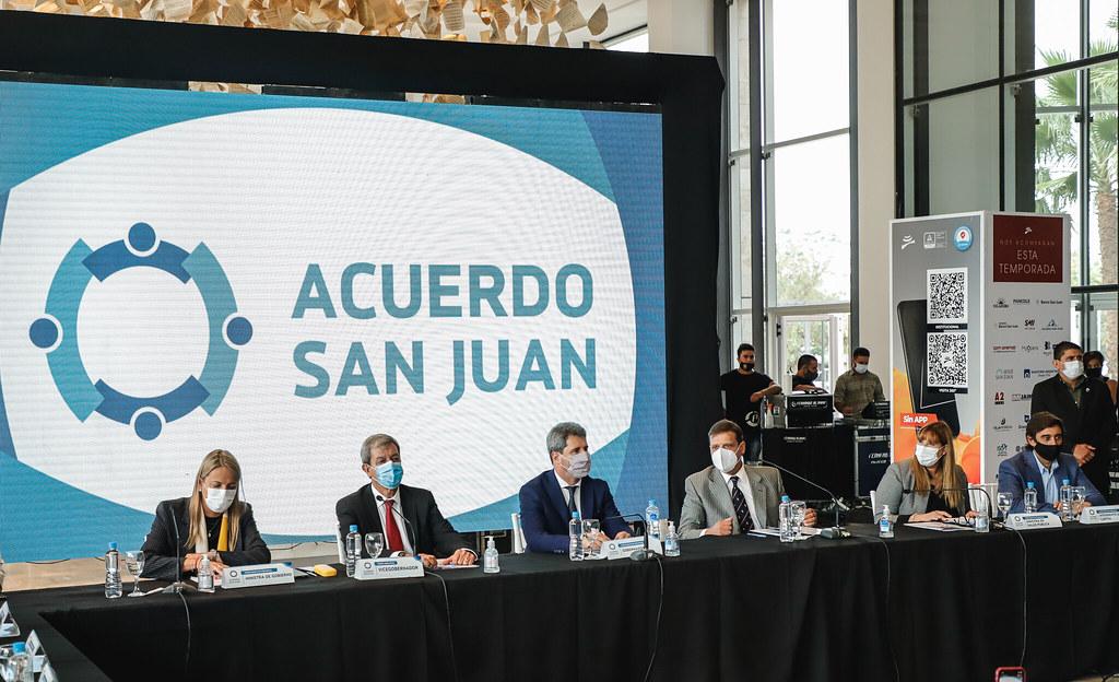 2021-04-08 PRENSA: Uñac se reunió con representantes sectoriales para analizar nuevas medidas ante el avance del COVID 19