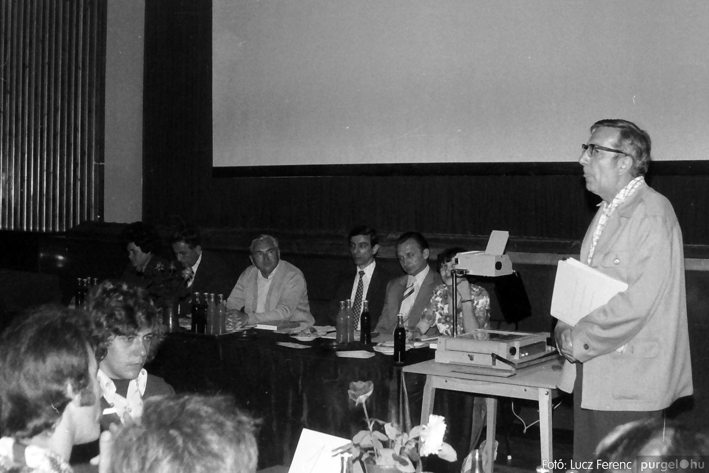 081. 1977. Kendergyári dolgozók vetélkedője 009. - Fotó: Lucz Ferenc.jpg