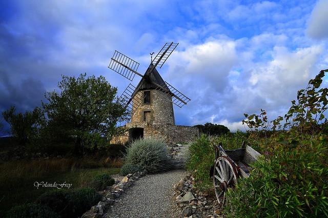 Le moulin Pech Rouzaud à Villeneuve-Minervois - Aude- Occitanie