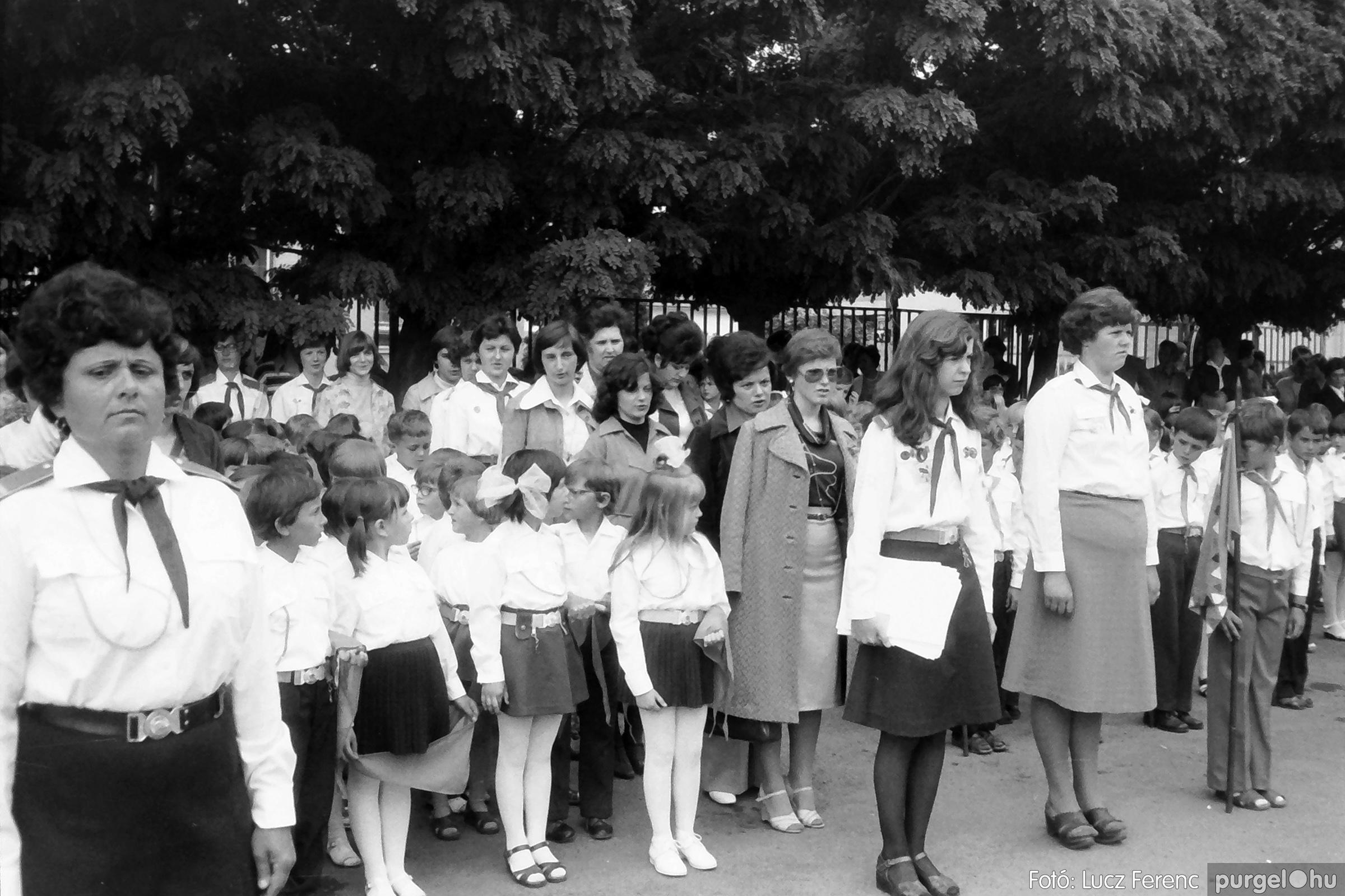 082. 1977. Kisdobos és úttörő avatás 027. - Fotó: Lucz Ferenc.jpg