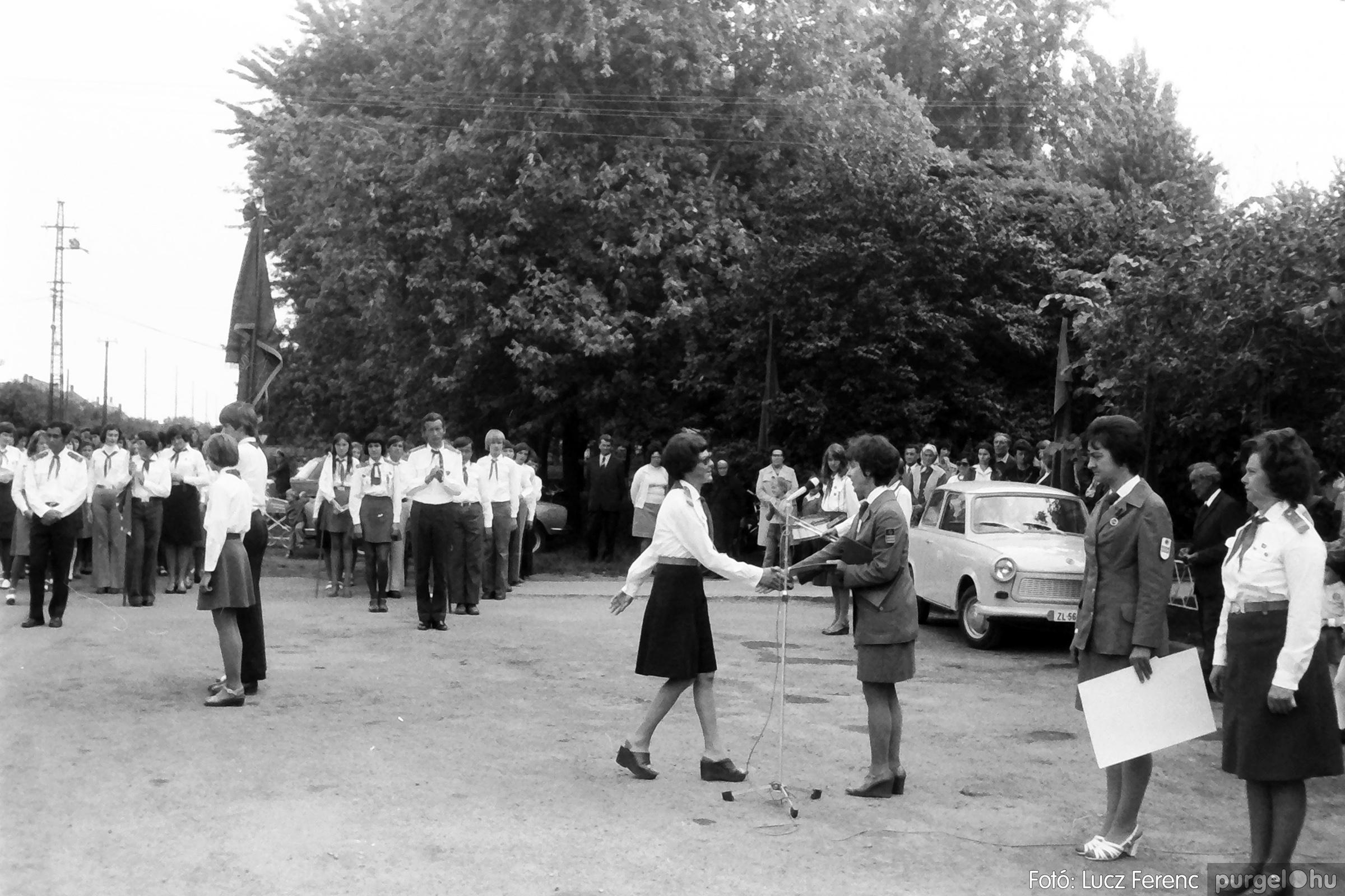 082. 1977. Kisdobos és úttörő avatás 016. - Fotó: Lucz Ferenc.jpg