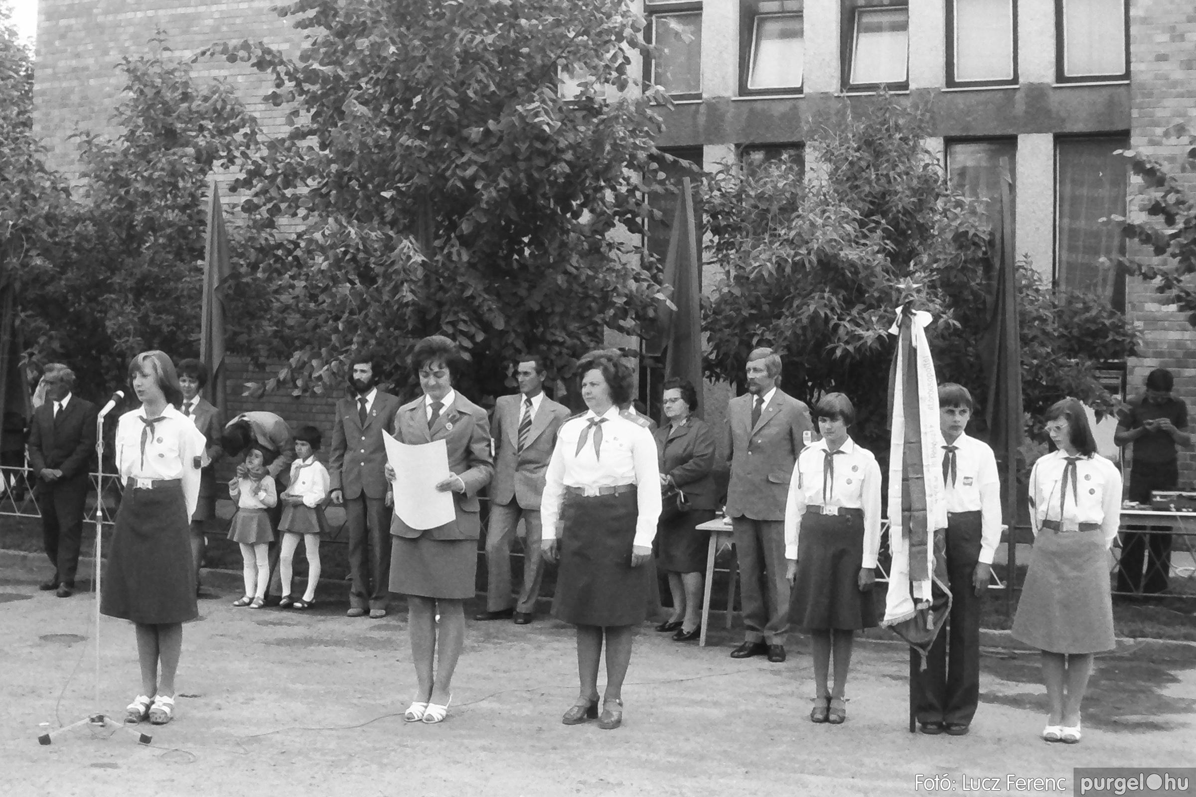082. 1977. Kisdobos és úttörő avatás 011. - Fotó: Lucz Ferenc.jpg