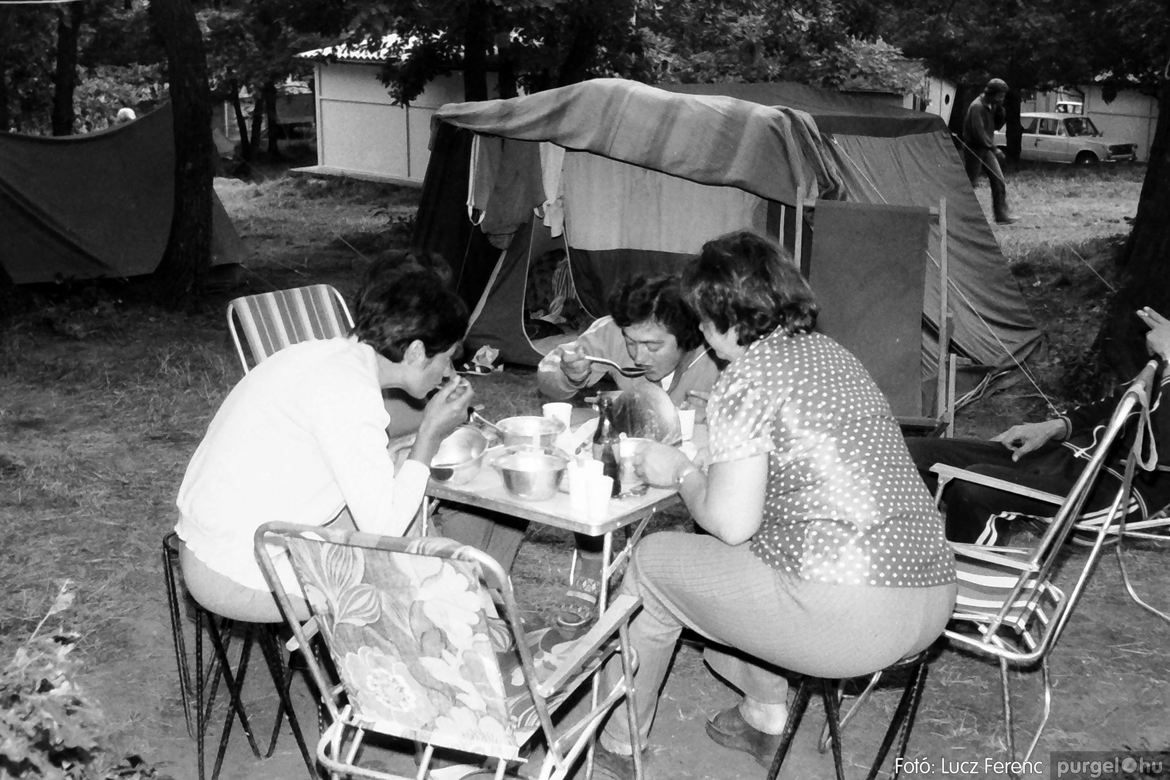 086, 088. 1977. Nyári tábor a Mátrában 005. - Fotó: Lucz Ferenc.jpg