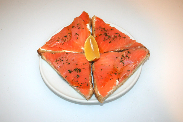 Smoked salmon with cream cheese on toast - Served / Räucherlachs mit Frischkäse auf Toast - Serviert
