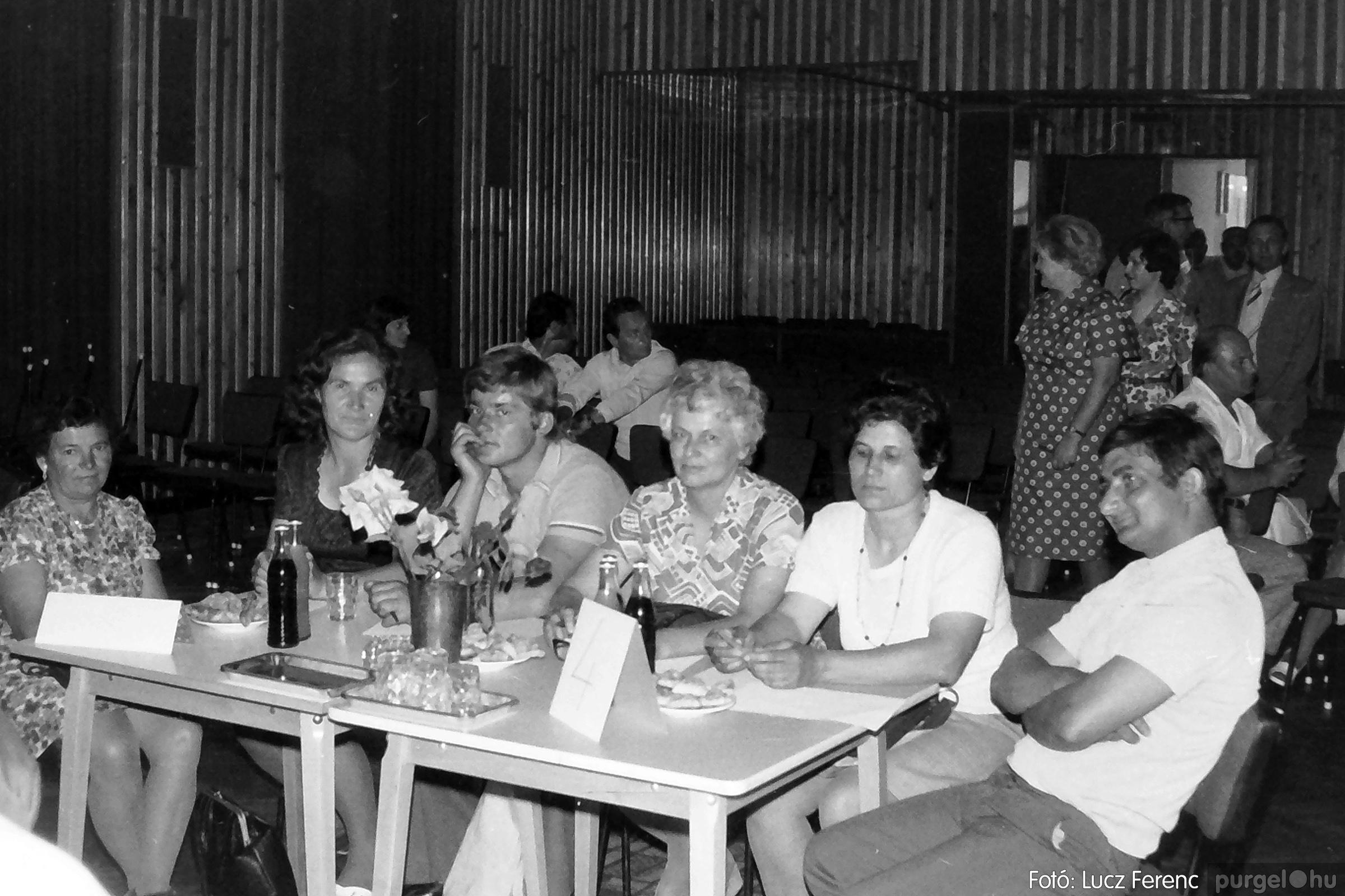 081. 1977. Kendergyári dolgozók vetélkedője 004. - Fotó: Lucz Ferenc.jpg