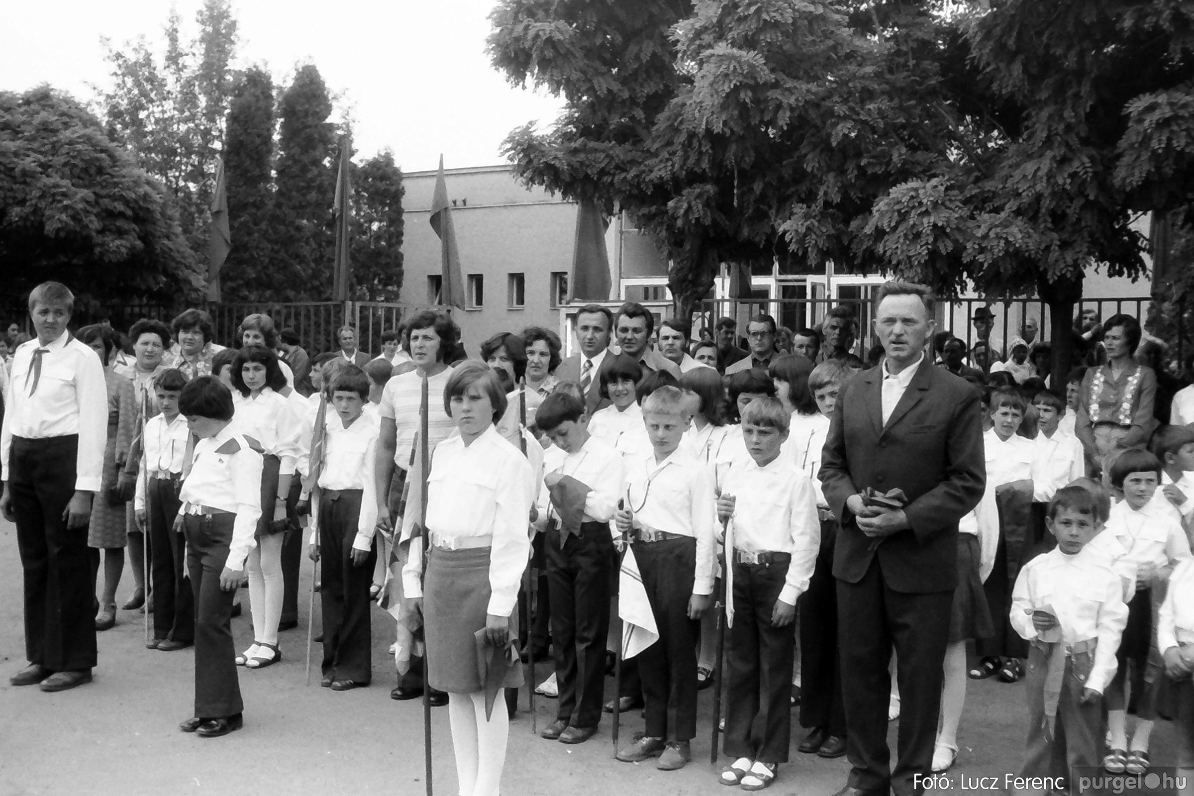 082. 1977. Kisdobos és úttörő avatás 022. - Fotó: Lucz Ferenc.jpg