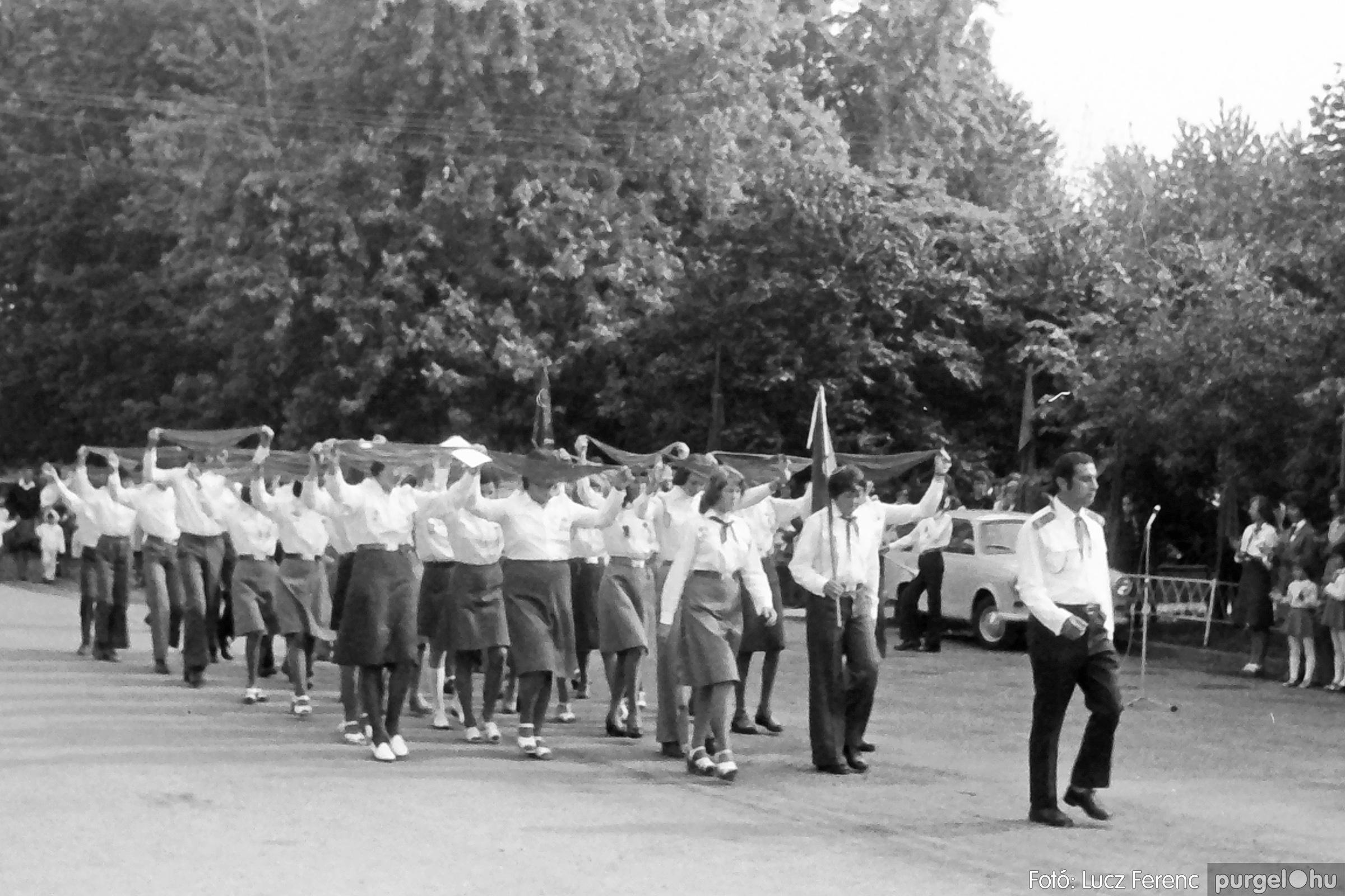 082. 1977. Kisdobos és úttörő avatás 032. - Fotó: Lucz Ferenc.jpg