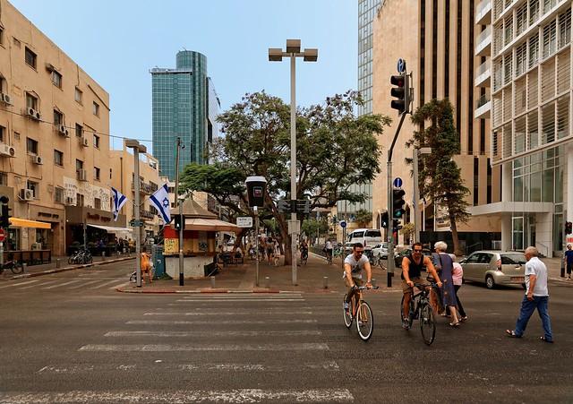 Tel Aviv / Rothschild Boulevard / Alemby St